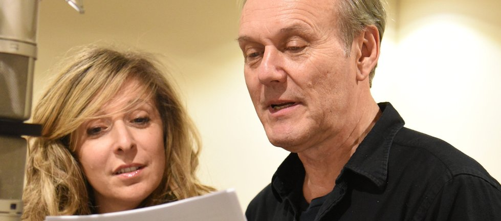 Anthony Head and Tracy Ann Oberman in Passenger 23
